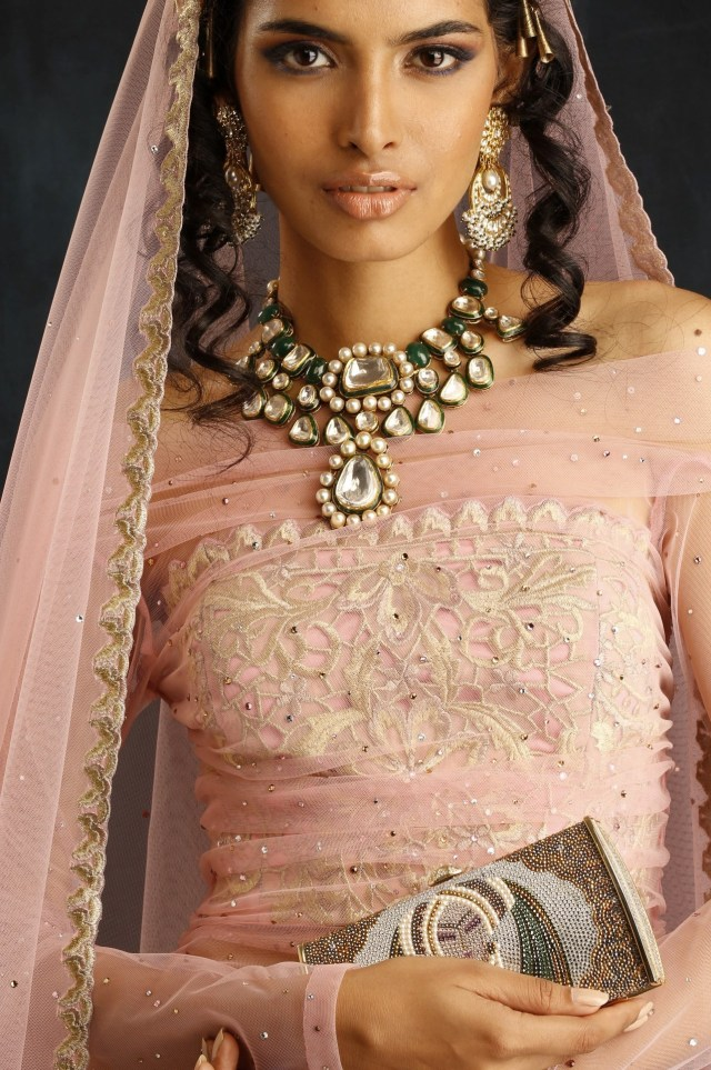 asian-mode-suneet-varma-india-bridal-week-2014-bmw-29