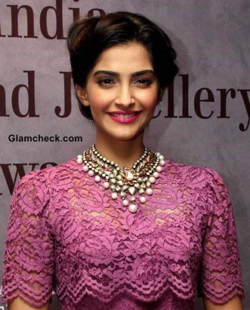 Sonam-Kapoor-Dolce-Gabbana