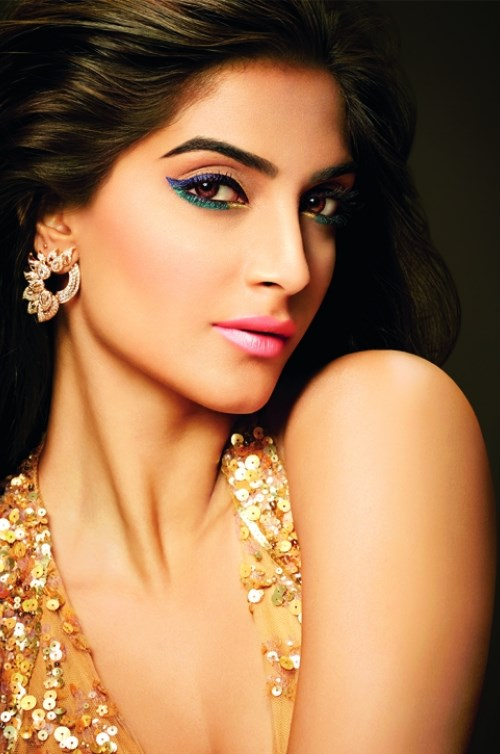 Sonam-Kapoor-in-Loreal-Gold