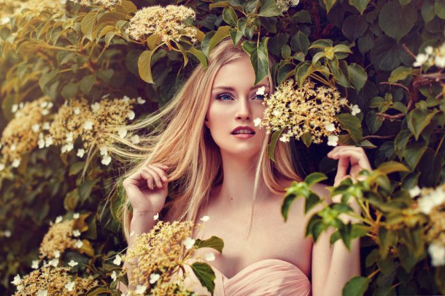 mary-grace-dela-pena-spring-flowers-blossoms-nature-fairytale-fantasy-fairytales-magic-magical-fantastical-fae-faerie-ethereal-white-flora-floral-delicate-portrait-fashion-ediorial-grace-almera-denmark-blonde-hair.jpg