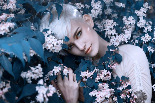 grace-almera-blossom-tree-nature-fairytale-fantasy-fairytales-magical-fae-faerie-ethereal-delicate-portrait-denmark-pinay-photographer.jpg