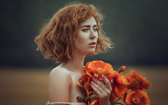 grace-almera-blossoms-magical-kullaberg-poppies-ethereal-delicate-portrait-regina-piil.jpg