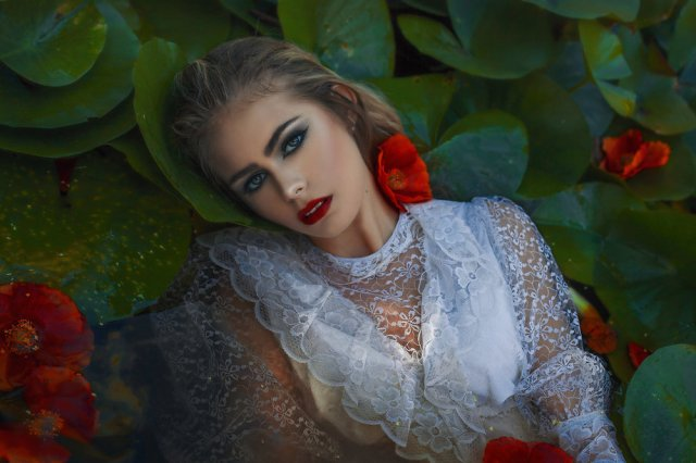 grace-almera-ophelia-hamlet-shakespeare-redlowers-blossoms-nature-fairytale-fantasy-fairytales-magic-magical-fantastical-fae-faerie-ethereal-whitedress--delicate-portrait-fashion-ediorial.jpg