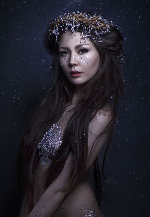 grace-almera--headpiece-fashion-nature-lover-ethereal-fantasy-innocent-silver-silver-goddess-long-hair-black-silver-leaf-gracealmera.png