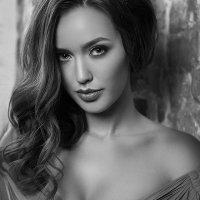 Portraits by Kristina Kazarina